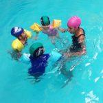 Aula de natação com os alunos do horário integral🏊